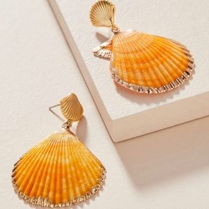 NWT Scalloped Shell Drop Earrings